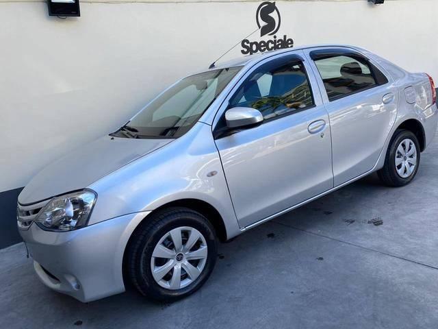 //www.autoline.com.br/carro/toyota/etios-15-hatch-xs-16v-flex-4p-manual/2015/juiz-de-fora-mg/15721925