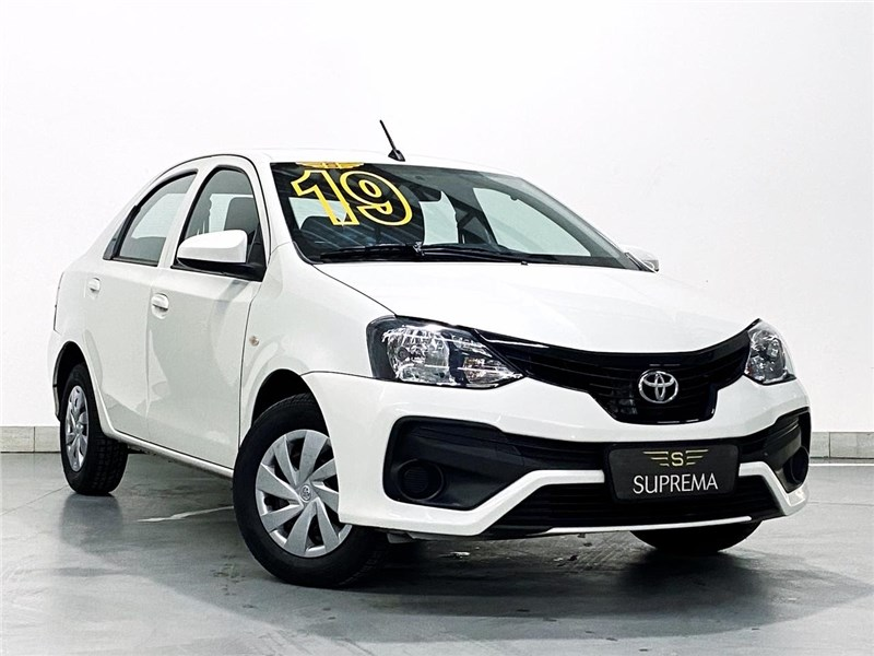//www.autoline.com.br/carro/toyota/etios-15-sedan-x-16v-flex-4p-automatico/2019/rio-de-janeiro-rj/15725856
