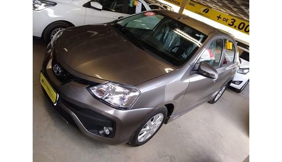 //www.autoline.com.br/carro/toyota/etios-15-xls-16v-sedan-flex-4p-automatico/2018/petrolina-pe/7053988