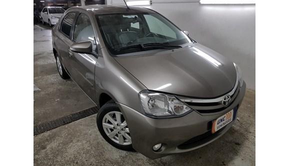 //www.autoline.com.br/carro/toyota/etios-15-xls-16v-sedan-flex-4p-automatico/2017/salvador-ba/7321402