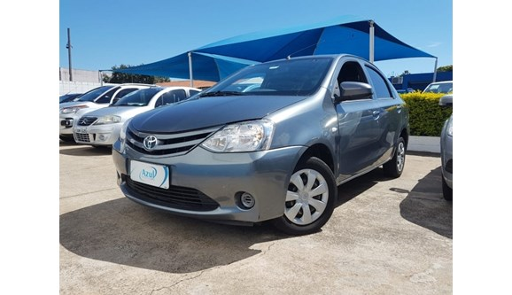 //www.autoline.com.br/carro/toyota/etios-15-x-16v-sedan-flex-4p-manual/2014/campinas-sp/7415901