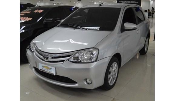 //www.autoline.com.br/carro/toyota/etios-15-xls-16v-flex-4p-automatico/2017/belem-pa/8300607