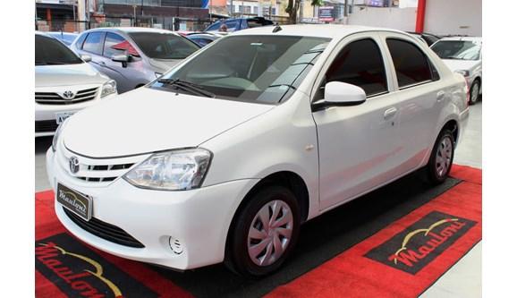 //www.autoline.com.br/carro/toyota/etios-15-x-16v-sedan-flex-4p-manual/2017/curitiba-pr/8511849