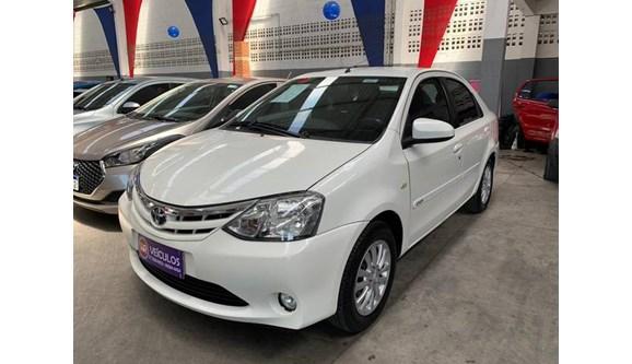 //www.autoline.com.br/carro/toyota/etios-15-xs-16v-flex-4p-manual/2014/serra-es/9596862