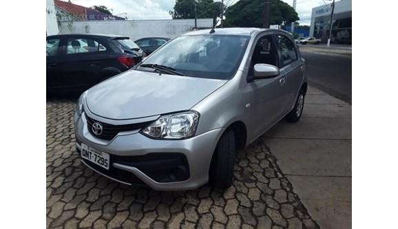 //www.autoline.com.br/carro/toyota/etios-15-xs-16v-flex-4p-manual/2018/sao-jose-do-rio-preto-sp/9678960