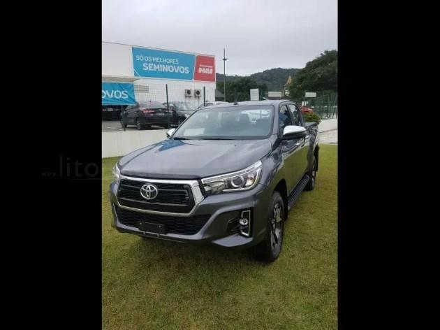 //www.autoline.com.br/carro/toyota/hilux-28-gr-s-16v-picape-diesel-4p-automatico-4x4-t/2020/brusque-sc/10718049