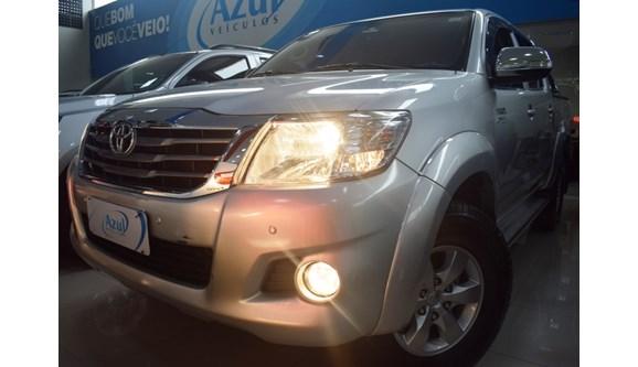 //www.autoline.com.br/carro/toyota/hilux-27-srv-16v-picape-flex-4p-automatico-4x4/2014/campinas-sp/11141185
