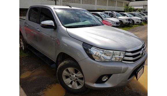 //www.autoline.com.br/carro/toyota/hilux-27-srv-16v-picape-flex-4p-automatico/2018/salvador-ba/11362915