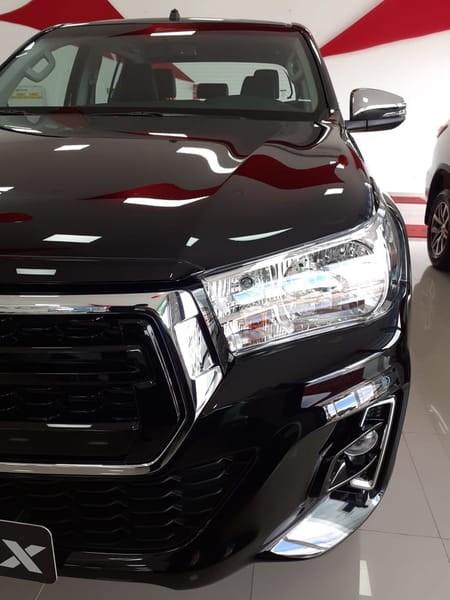 //www.autoline.com.br/carro/toyota/hilux-28-srv-16v-picape-diesel-4p-automatico-4x4-tu/2020/brasilia-df/11723041