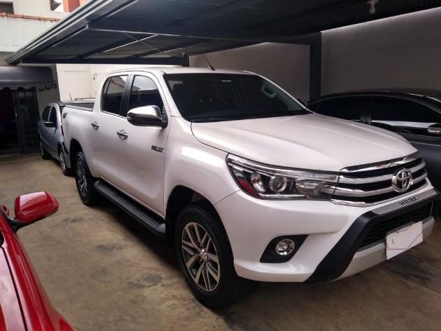 //www.autoline.com.br/carro/toyota/hilux-28-srx-16v-picape-diesel-4p-automatico-4x4-tu/2018/uberaba-mg/11726134