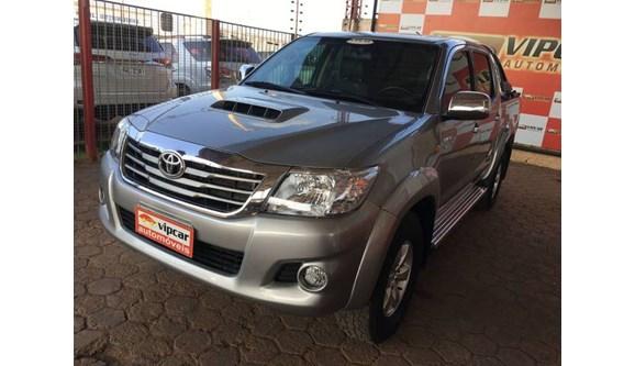//www.autoline.com.br/carro/toyota/hilux-30-std-16v-picape-diesel-4p-manual-4x4-turbo/2015/porto-velho-ro/12018676