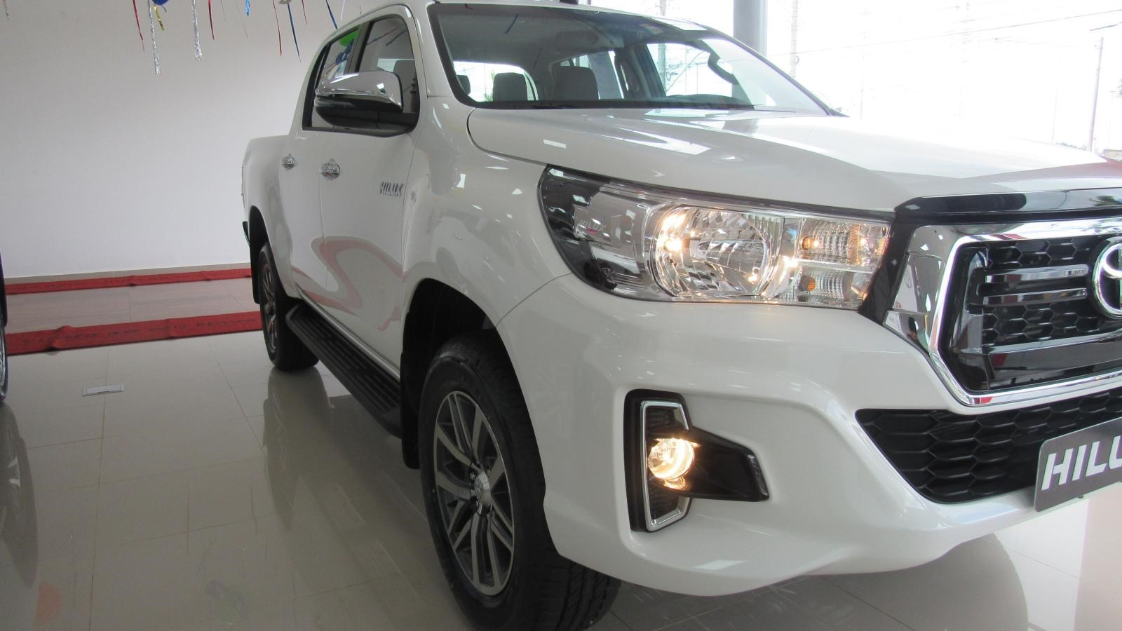 //www.autoline.com.br/carro/toyota/hilux-27-srv-16v-picape-flex-4p-automatico/2020/brasilia-df/12330435