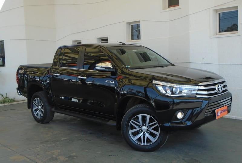 //www.autoline.com.br/carro/toyota/hilux-28-cd-srv-4x4-tdi-diesel/2016/brasilia-df/12354025