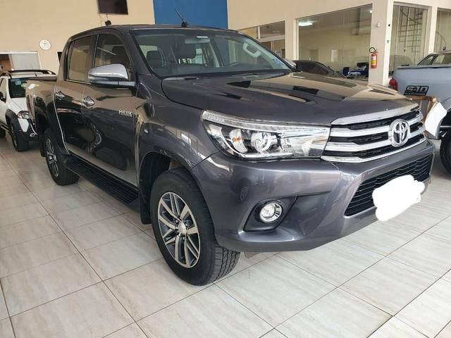 //www.autoline.com.br/carro/toyota/hilux-28-srx-16v-picape-diesel-4p-automatico-4x4-tu/2018/aracatuba-sp/12407290