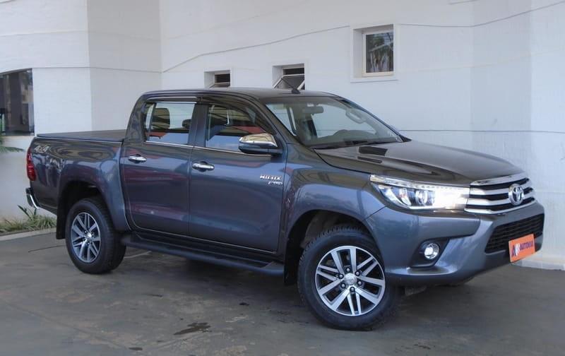 //www.autoline.com.br/carro/toyota/hilux-28-srx-16v-picape-diesel-4p-automatico-4x4-tu/2018/brasilia-df/12624200