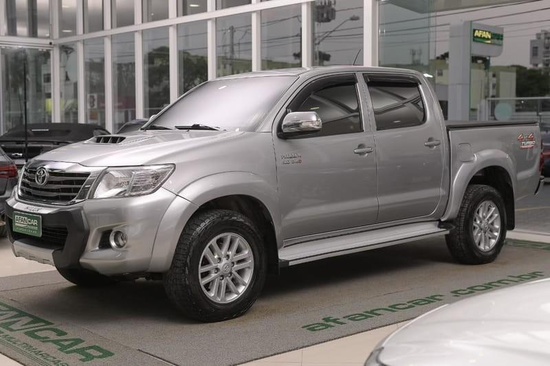 //www.autoline.com.br/carro/toyota/hilux-30-srv-16v-picape-diesel-4p-automatico-4x4-tu/2015/curitiba-pr/12640569