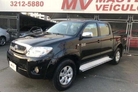 //www.autoline.com.br/carro/toyota/hilux-30-srv-16v-picape-diesel-4p-automatico-4x4-tu/2009/goiania-go/12660365