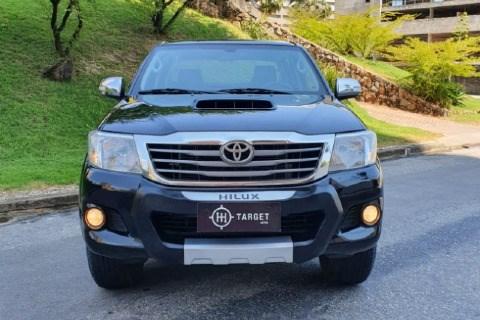//www.autoline.com.br/carro/toyota/hilux-30-srv-limited-16v-picape-diesel-4p-automatic/2015/fortaleza-ce/12675179