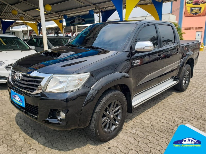 //www.autoline.com.br/carro/toyota/hilux-30-srv-limited-16v-picape-diesel-4p-automatic/2015/serra-es/12697402