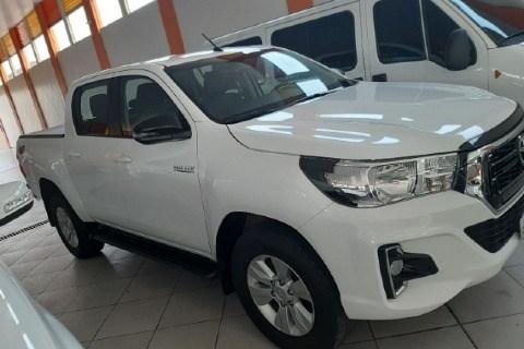 //www.autoline.com.br/carro/toyota/hilux-28-sr-16v-picape-diesel-4p-automatico-4x4-tur/2019/manaus-am/12788453