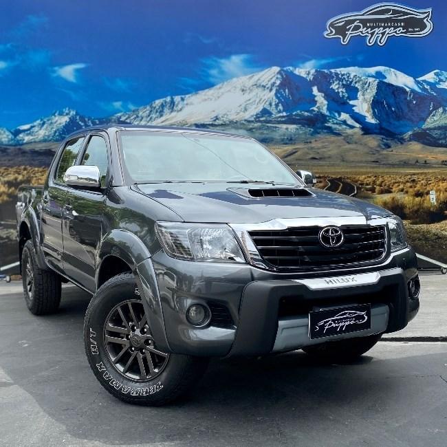//www.autoline.com.br/carro/toyota/hilux-30-sr-16v-picape-diesel-4p-automatico-4x4-tur/2013/manaus-am/12872749