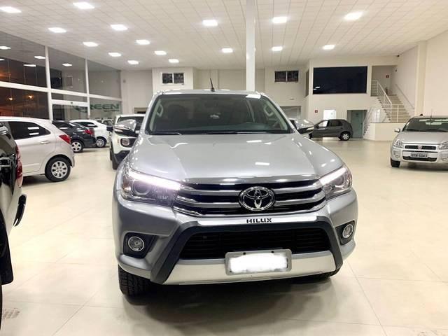 //www.autoline.com.br/carro/toyota/hilux-28-cs-chassi-16v-diesel-2p-4x4-turbo-manual/2017/rio-verde-go/12917075
