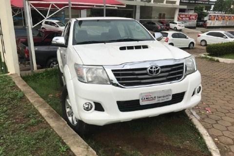 //www.autoline.com.br/carro/toyota/hilux-30-srv-limited-16v-picape-diesel-4p-automatic/2015/maraba-pa/12977395