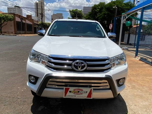 //www.autoline.com.br/carro/toyota/hilux-27-srv-16v-picape-flex-4p-automatico/2017/rio-verde-go/13023696