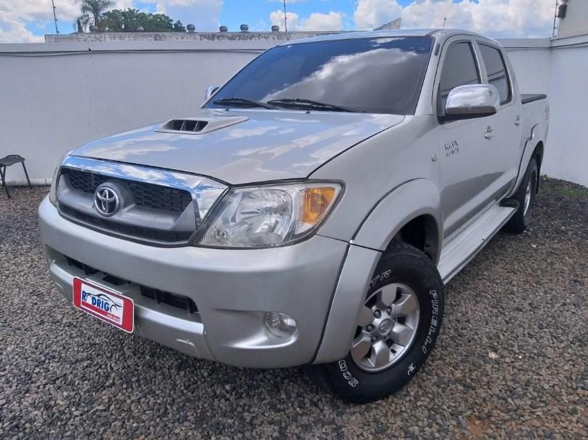 //www.autoline.com.br/carro/toyota/hilux-30-srv-4x4-at-turbo-ic-16v-163cv-4p-diesel-au/2006/guarapuava-pr/13425951