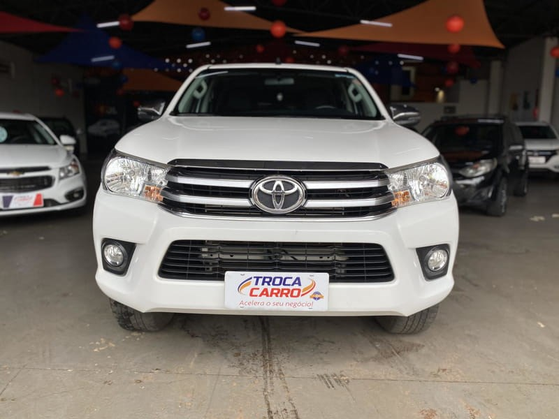 //www.autoline.com.br/carro/toyota/hilux-28-srv-16v-picape-diesel-4p-automatico-4x4-tu/2018/jatai-go/13526012