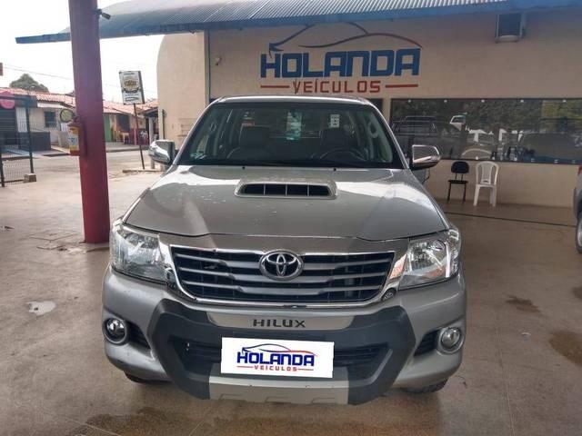 //www.autoline.com.br/carro/toyota/hilux-30-srv-16v-picape-diesel-4p-automatico-4x4-tu/2015/teresina-pi/13534445