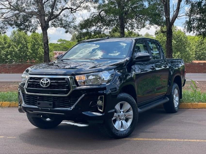 //www.autoline.com.br/carro/toyota/hilux-28-sr-16v-picape-diesel-4p-automatico-4x4-tur/2020/ijui-rs/13575103