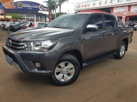 //www.autoline.com.br/carro/toyota/hilux-28-16v-diesel-2p-manual/2018/brasilia-df/13594313