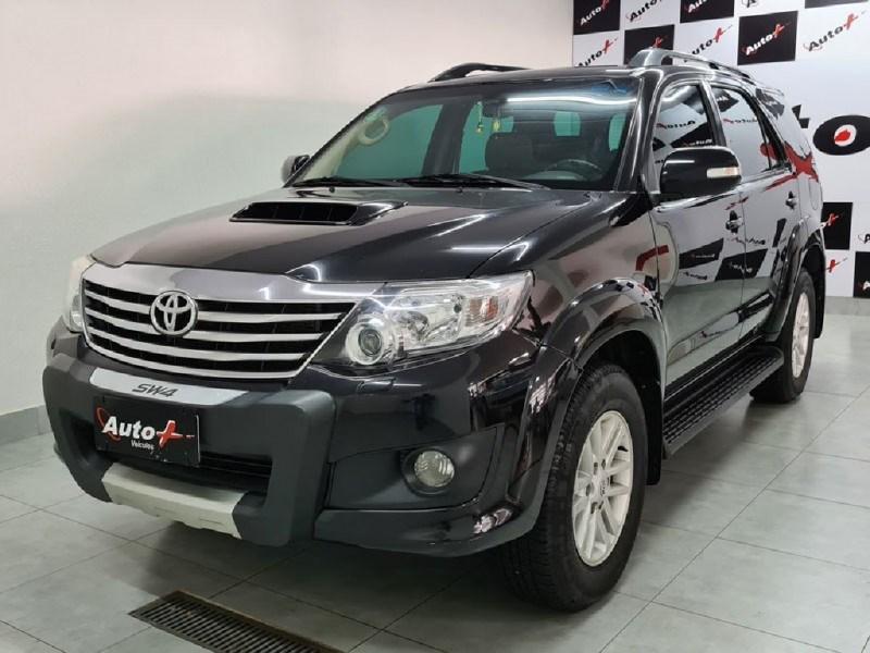 //www.autoline.com.br/carro/toyota/hilux-30-srv-16v-picape-diesel-4p-automatico-4x4-tu/2014/ribeirao-preto-sp/13599866