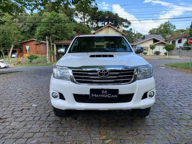 //www.autoline.com.br/carro/toyota/hilux-30-srv-16v-picape-diesel-4p-automatico-4x4-tu/2015/canela-rs/13611514