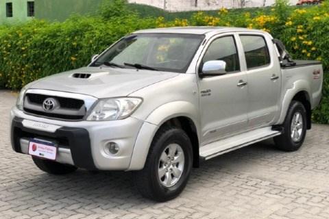 //www.autoline.com.br/carro/toyota/hilux-30-cd-srv-16v-diesel-4p-4x4-turbo-automatico/2011/fortaleza-ce/13943558