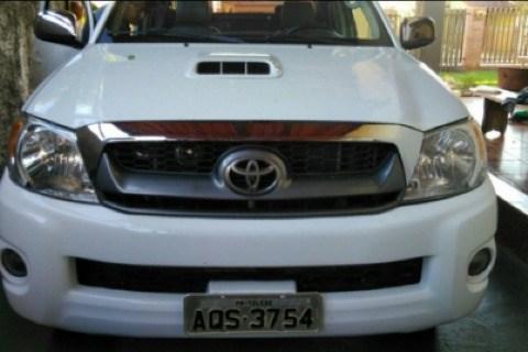 //www.autoline.com.br/carro/toyota/hilux-30-cd-sr-16v-diesel-4p-4x4-turbo-manual/2009/toledo-pr/14293077