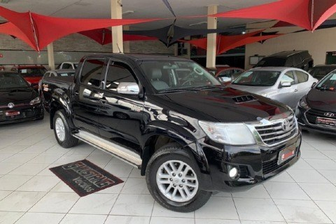 //www.autoline.com.br/carro/toyota/hilux-30-srv-limited-cd-16v-diesel-4p-4x4-turbo-aut/2015/joao-pessoa-pb/14302543