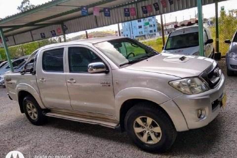 //www.autoline.com.br/carro/toyota/hilux-30-cd-sr-16v-diesel-4p-turbo-manual/2009/ipiau-ba/14338361
