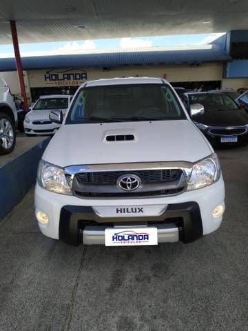 //www.autoline.com.br/carro/toyota/hilux-30-cd-srv-16v-diesel-4p-turbo-manual/2009/teresina-pi/14430708