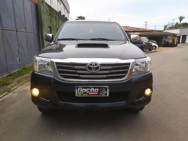 //www.autoline.com.br/carro/toyota/hilux-30-srv-cd-16v-diesel-4p-4x4-turbo-automatico/2015/sao-luis-ma/14513520