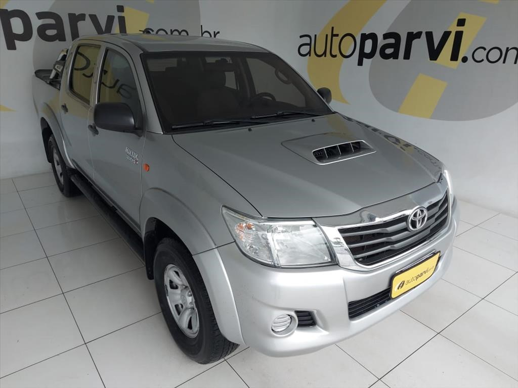 //www.autoline.com.br/carro/toyota/hilux-30-std-cd-16v-diesel-4p-4x4-turbo-manual/2015/recife-pe/14677414