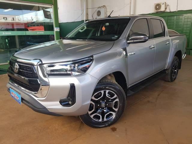 //www.autoline.com.br/carro/toyota/hilux-28-cd-srx-16v-diesel-4p-4x4-turbo-automatico/2021/brasilia-df/15193441