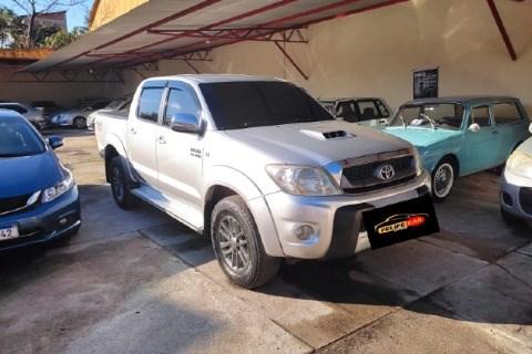 //www.autoline.com.br/carro/toyota/hilux-30-cd-srv-16v-diesel-4p-4x4-turbo-manual/2009/tangua-rj/15241236