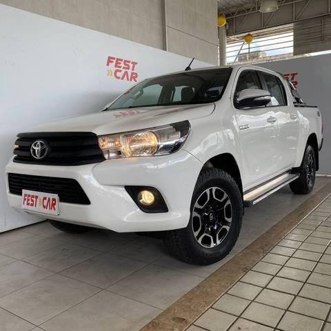 //www.autoline.com.br/carro/toyota/hilux-28-cs-chassi-16v-diesel-2p-4x4-turbo-manual/2018/recife-pe/15421939