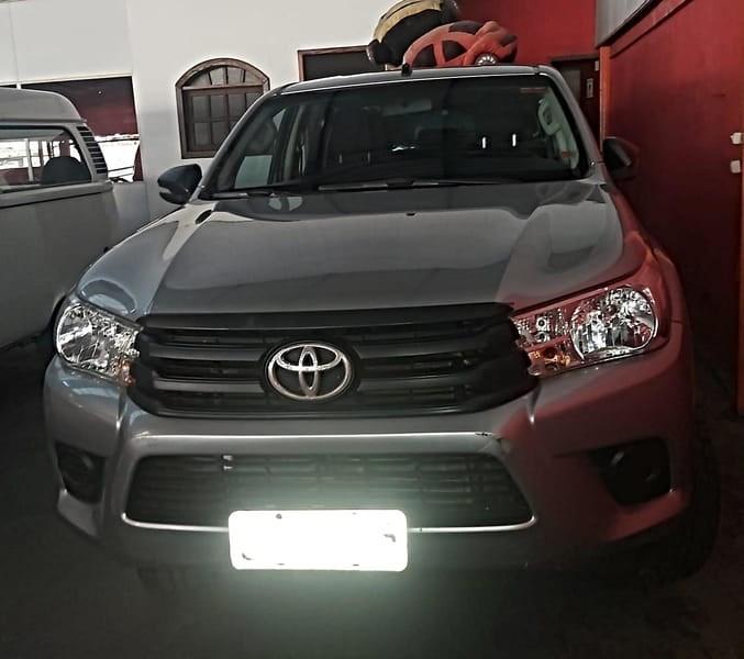 //www.autoline.com.br/carro/toyota/hilux-28-cd-std-16v-diesel-4p-4x4-turbo-manual/2017/belo-horizonte-mg/15461371