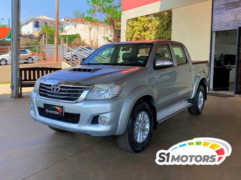 //www.autoline.com.br/carro/toyota/hilux-30-cd-srv-16v-diesel-4p-4x4-turbo-automatico/2012/ribeirao-preto-sp/15667897