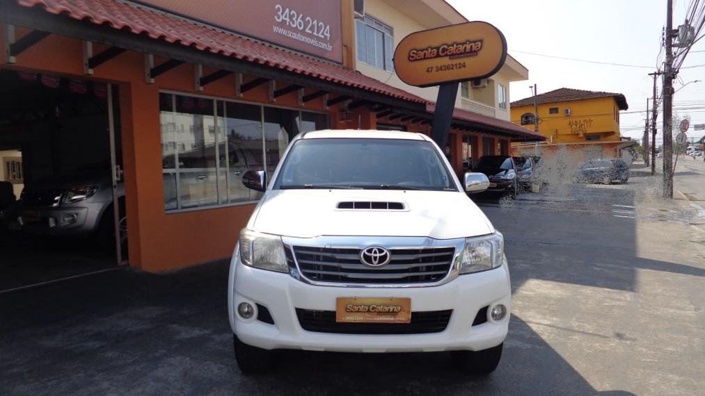 //www.autoline.com.br/carro/toyota/hilux-30-cd-srv-top-16v-diesel-4p-4x4-turbo-automat/2012/joinville-sc/15734667