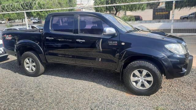 //www.autoline.com.br/carro/toyota/hilux-30-cd-srv-16v-diesel-4p-turbo-manual/2009/catalao-go/15752628