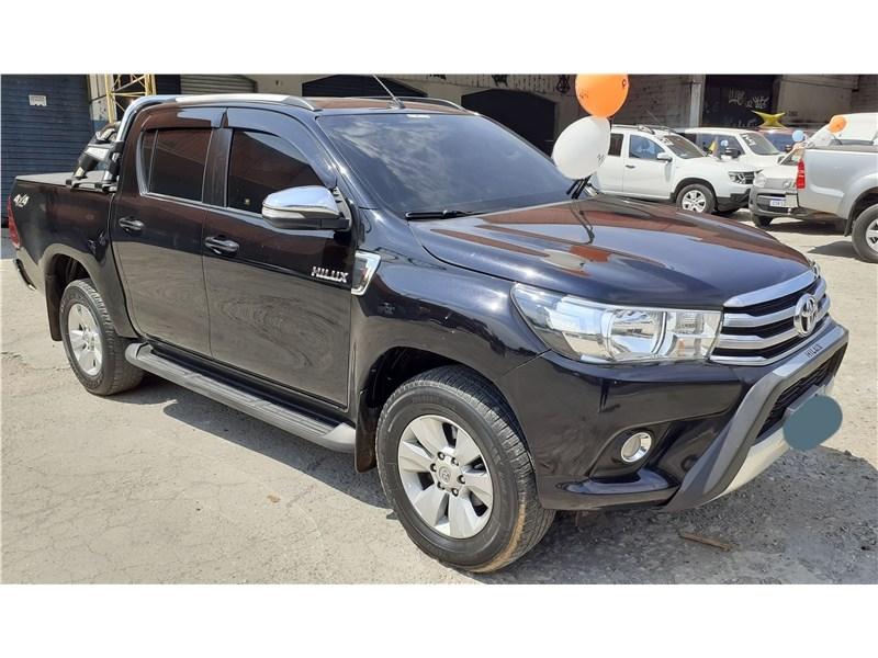 //www.autoline.com.br/carro/toyota/hilux-28-srv-cd-16v-diesel-4p-4x4-turbo-automatico/2016/sao-goncalo-rj/15770787